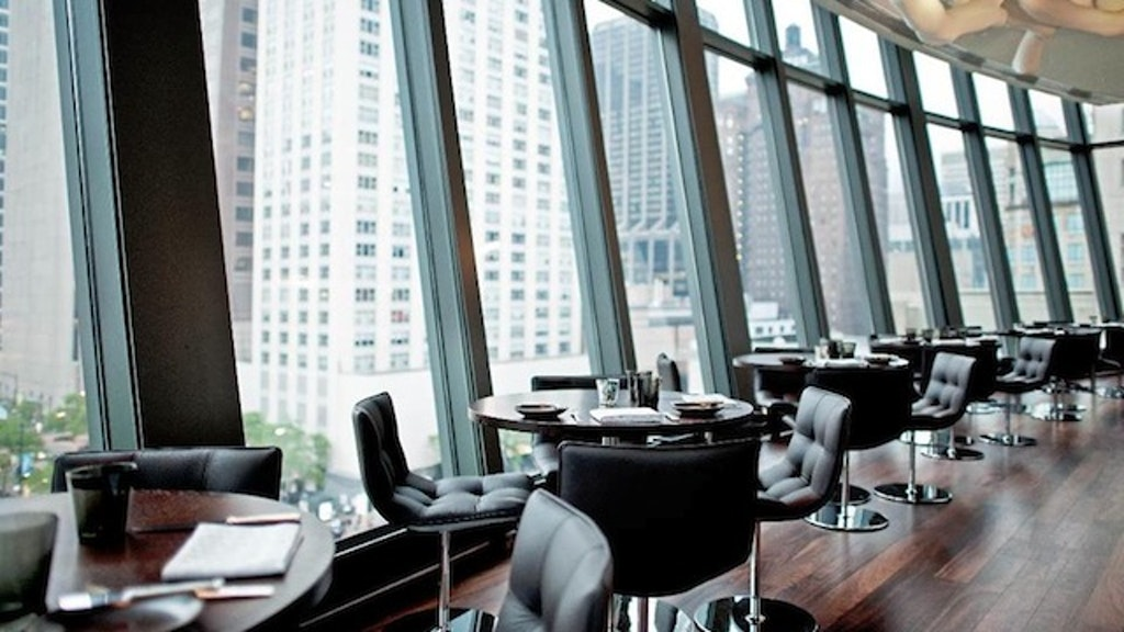 10 Great Restaurants And Bars Near Michigan Avenue Zagat