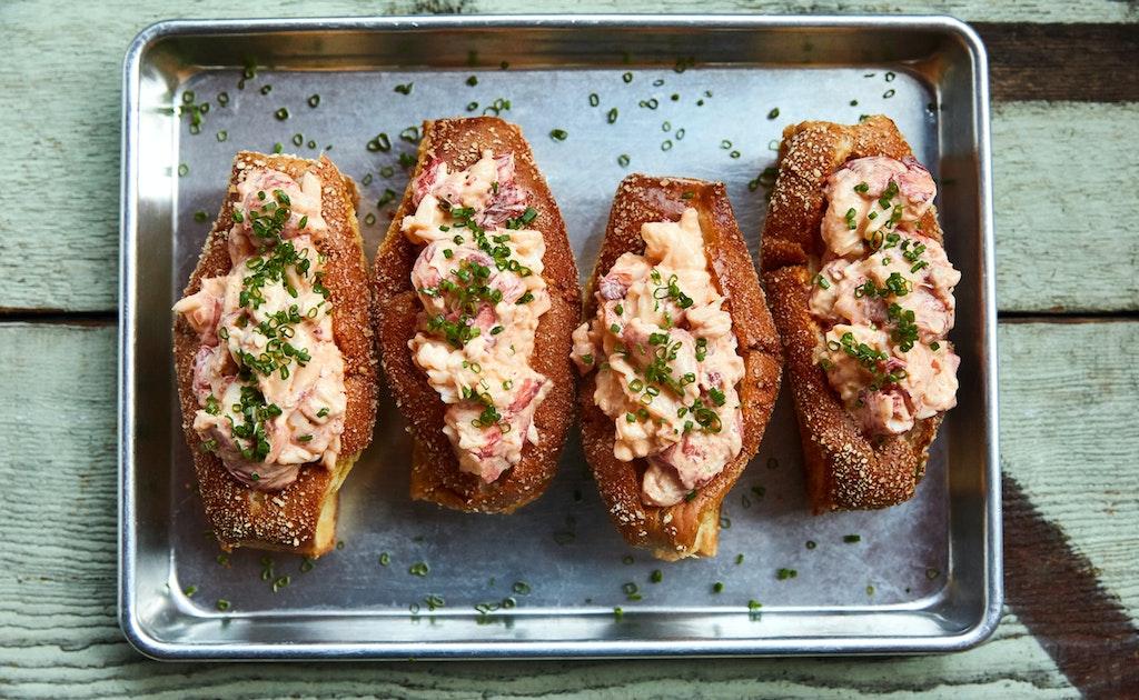 15 Best Lobster Rolls Around La Zagat
